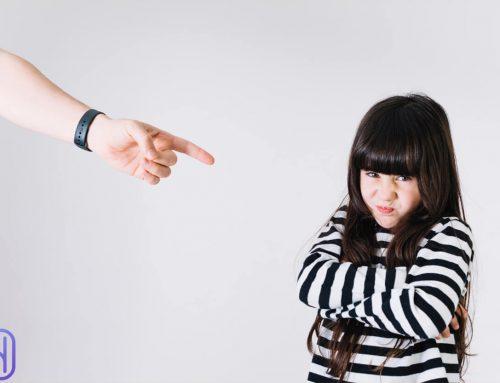 بهترین رفتار با کودک پرخاشگر